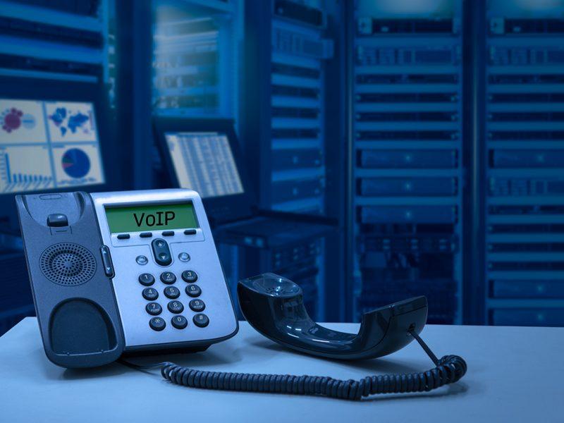 IP-phone-duoc-ket-noi-va-hoat-dong-dua-vao-mang-internet